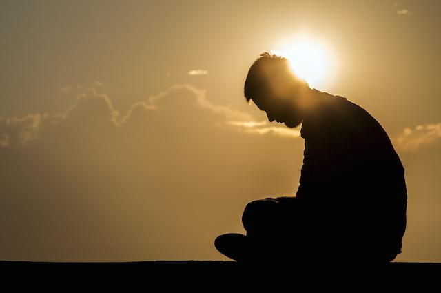 Vẻ đẹp của khổ đau và cách thức chuyển hóa cảm xúc
